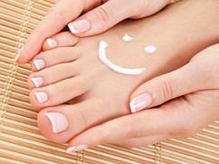 faux ongles aux pieds