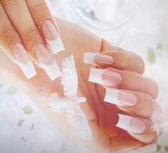 Pose de faux ongles